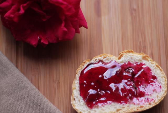 Rose petal Jam from a Venetian monastery : Emiko Davies