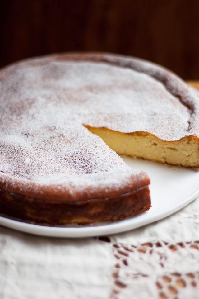 Lemon Almond Semolina Cake Recipe