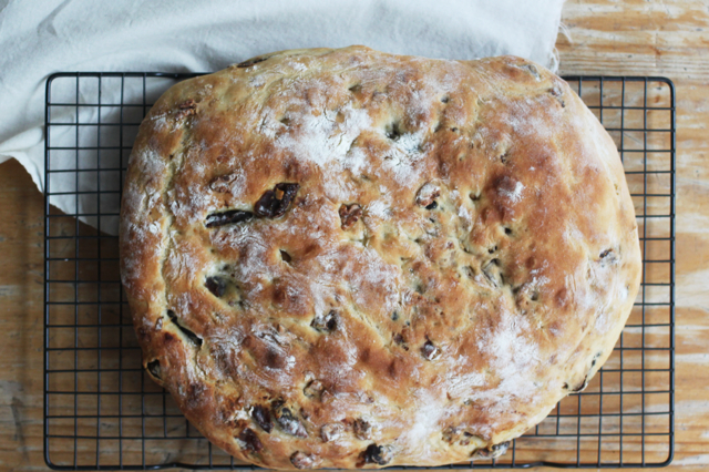 focaccia with dates, figs, walnuts