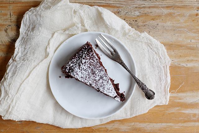 ada boni's egg free, butter free chocolate cake