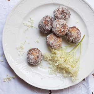 Renaissance elderflower fritters