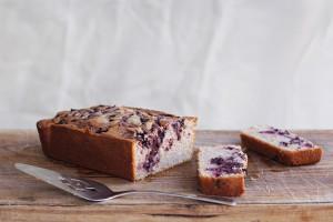 mascarpone and blackberry cake