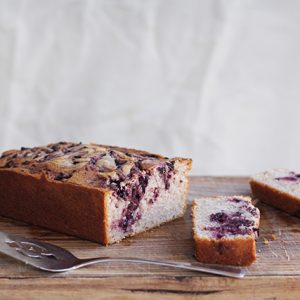 Mascarpone and blackberry cake