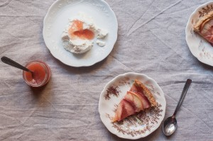 white peach jam with ricotta and crostata slices