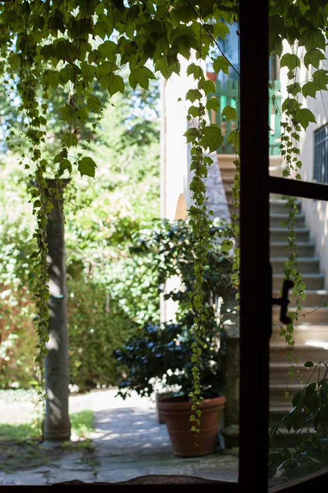 Settignano kitchen window