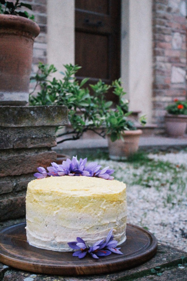 saffron and ricotta frosting for cake