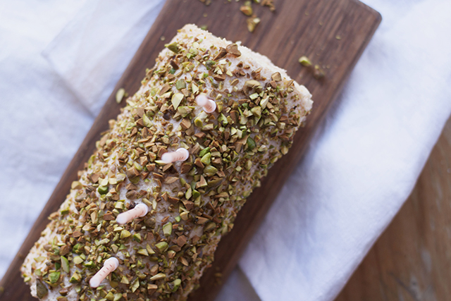 sponge roll with pistachio