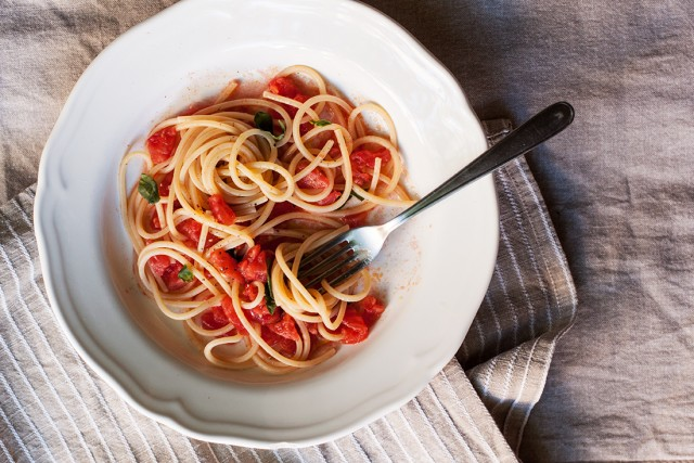raw tomato sauce for pasta
