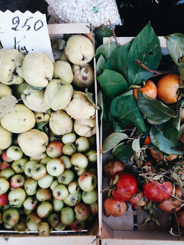 autumn-fruit-florentine-market