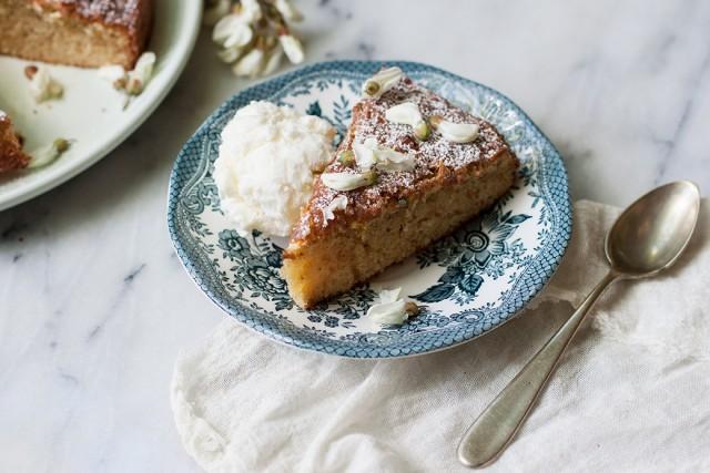 robinia flower cake