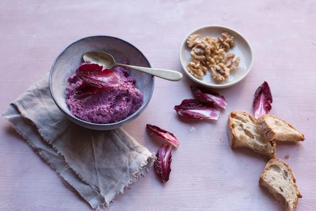 radicchio-cream with mascarpone and walnuts