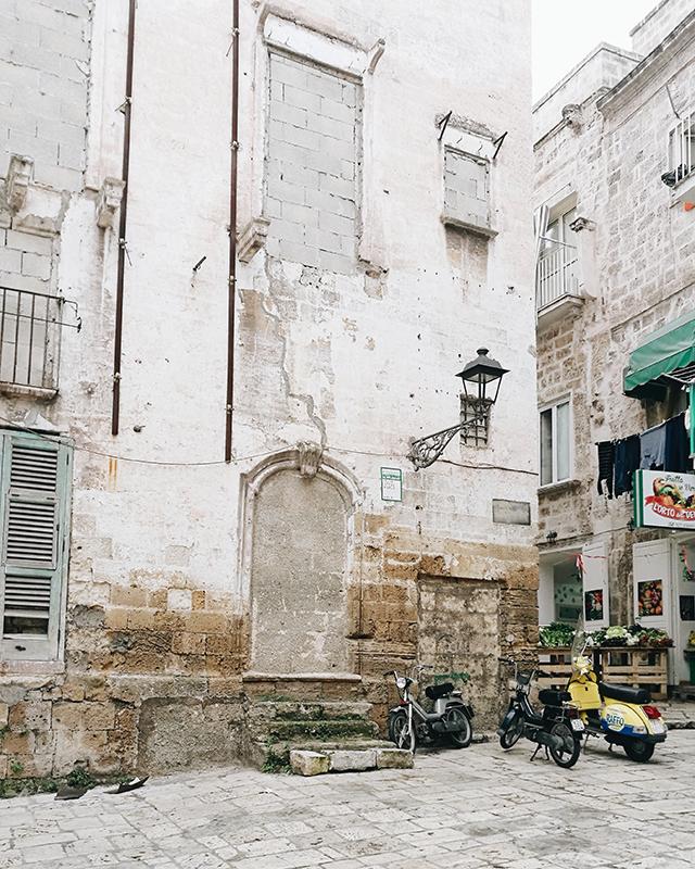 Taranto-building-fruttivendolo