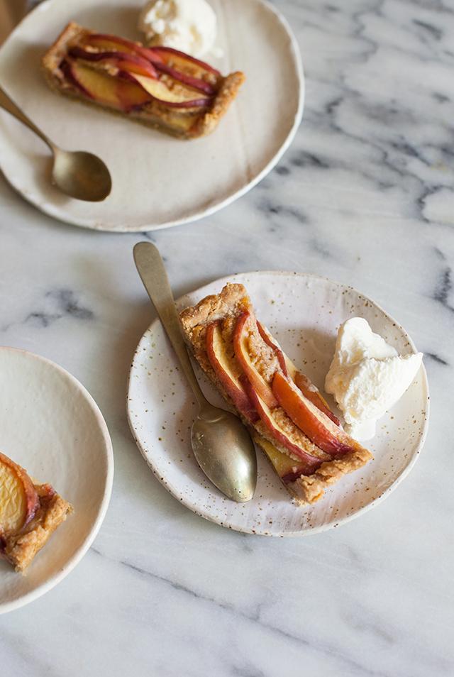 peach-amaretti-tart-IMG_4392